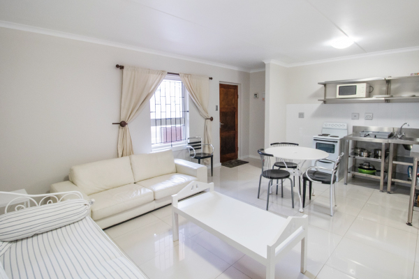 royal-maitland-1-unit50-open-plan-living-room-3