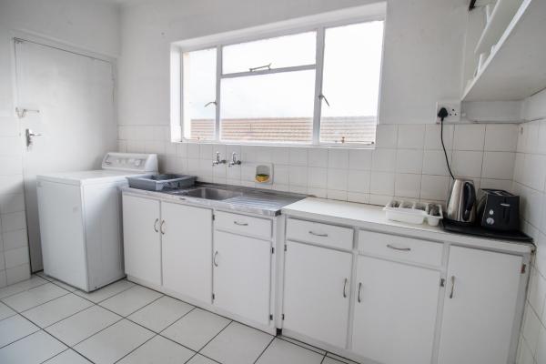 Levana-5-kitchen